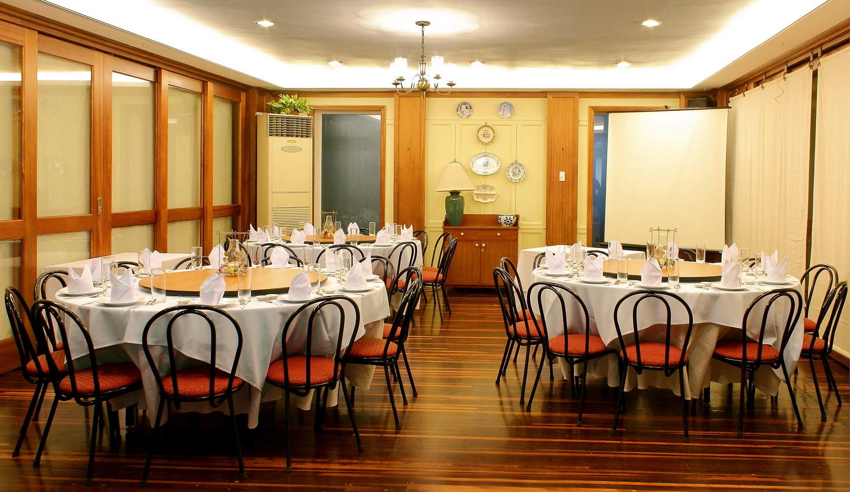function room iv rooms comida china minimum drinks spaces iii worth order food
